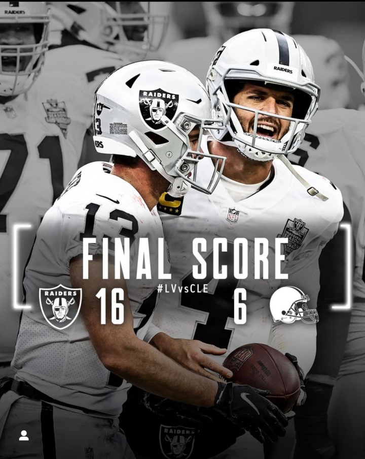 Week 8: A windy, snowy, icy, disgustingly normal Cleveland day, the Raiders are back into the win column.. 4-3!#RaiderNation